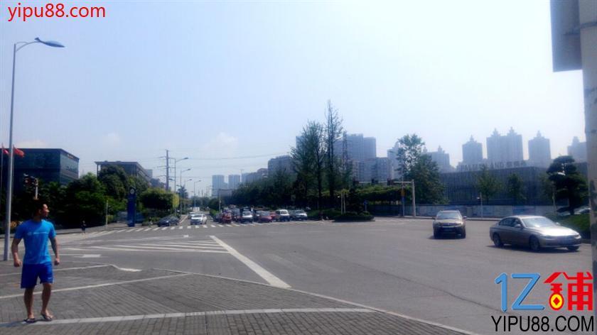 渝北成熟小区267㎡带坝茶楼转让