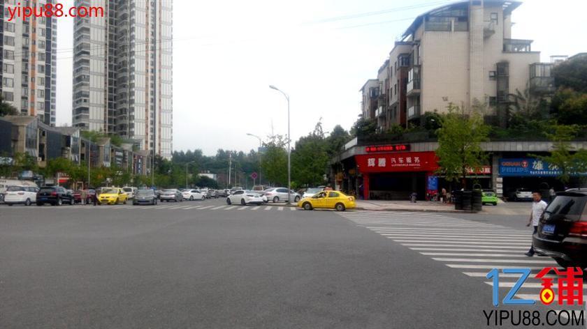 渝北区135㎡拐角汽车美容店急转