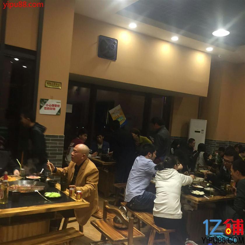 渝北区320㎡精装火锅店急转,带住宿