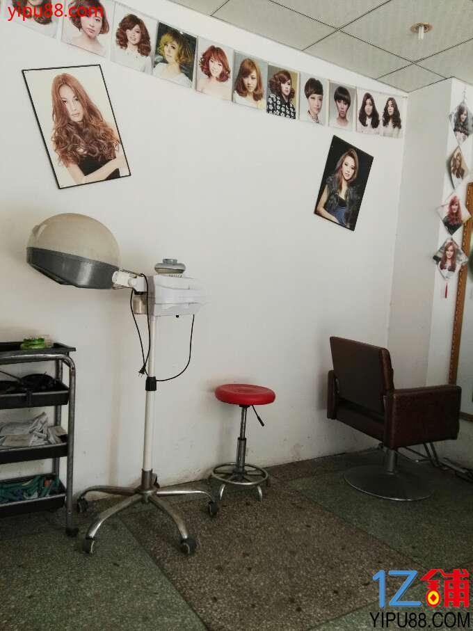幼儿园区角环境布理发店