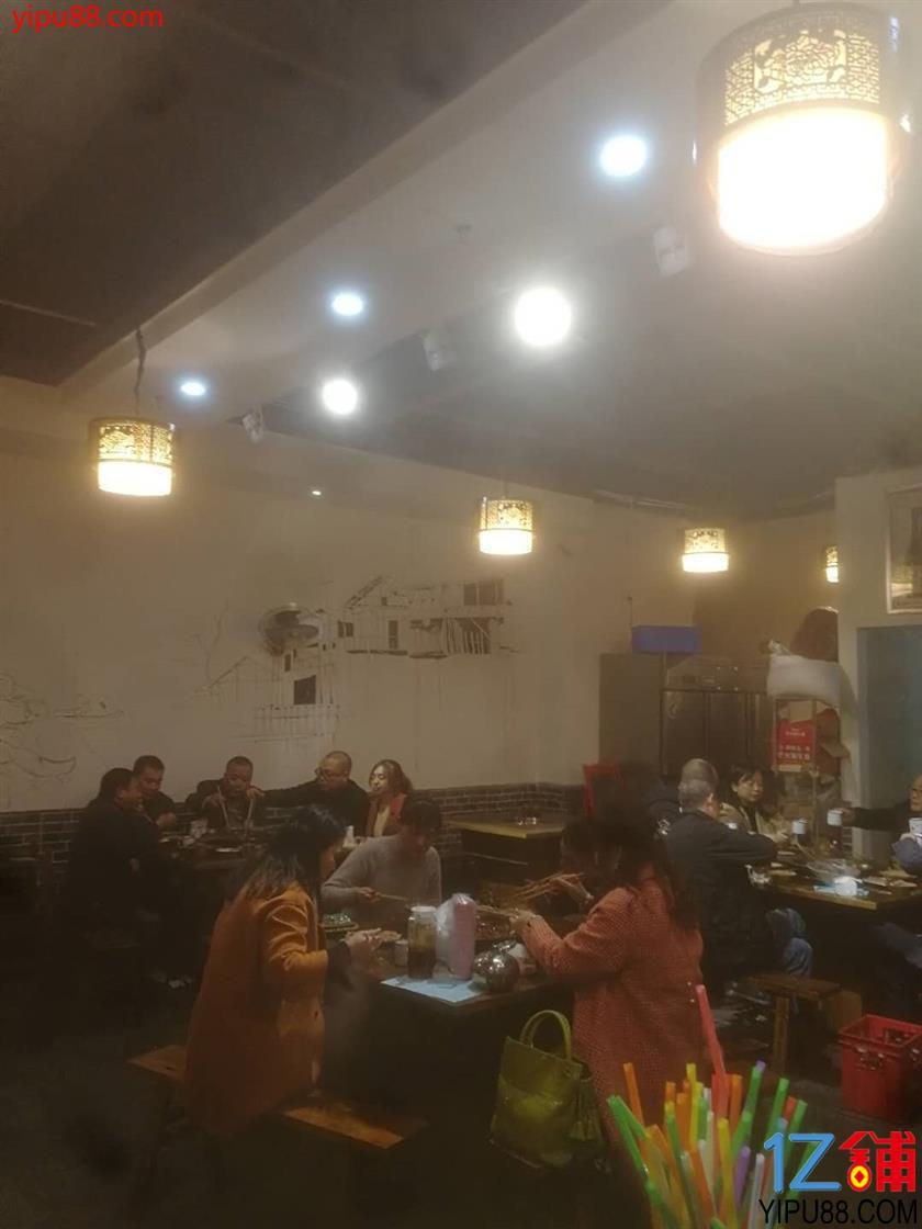 轻轨站+成熟社区旁临街门面白菜价转让!