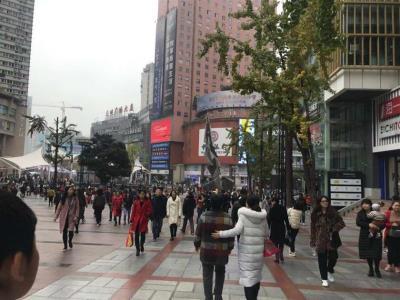 高铁站+公交车站42m²三通餐饮店转让(行业不限)