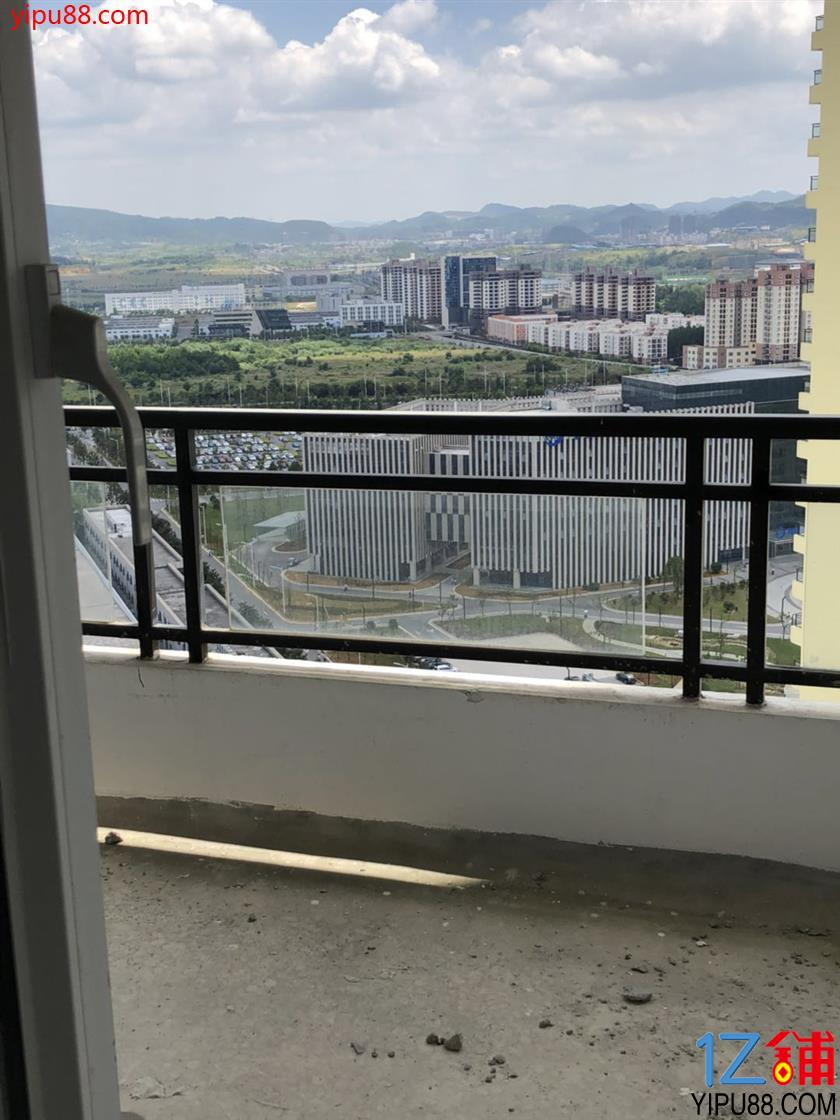 绿地新都会828平公寓房房东直租