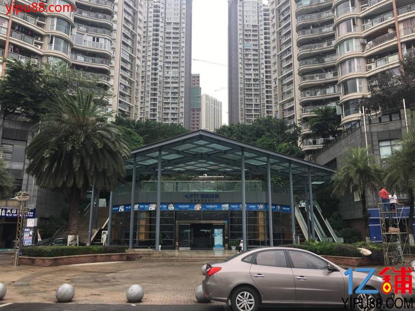 江北高档小区大门口盈利便店转让(行业不限)