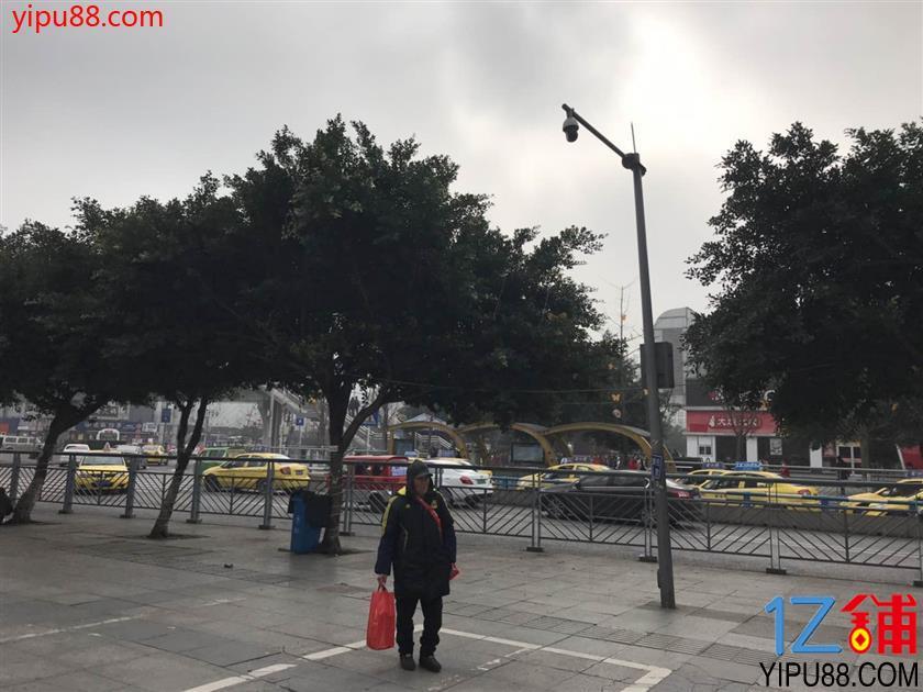 龙头寺汽车南站临街餐饮旺铺