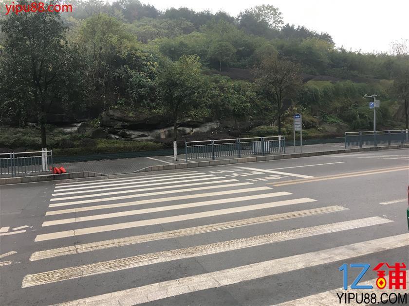 渝北翠云小学旁40平米便利店转让
