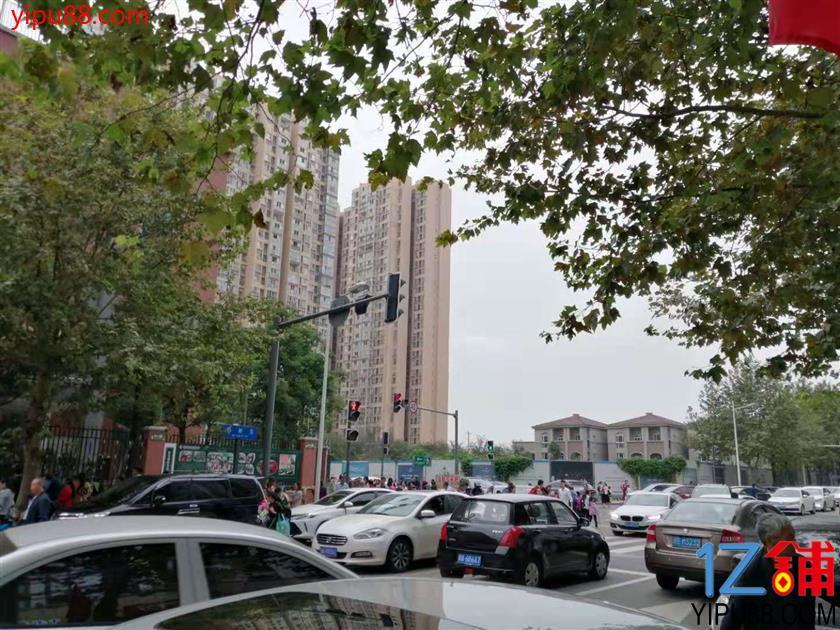 锦江 十字路口旁 两年旺铺(可空转)