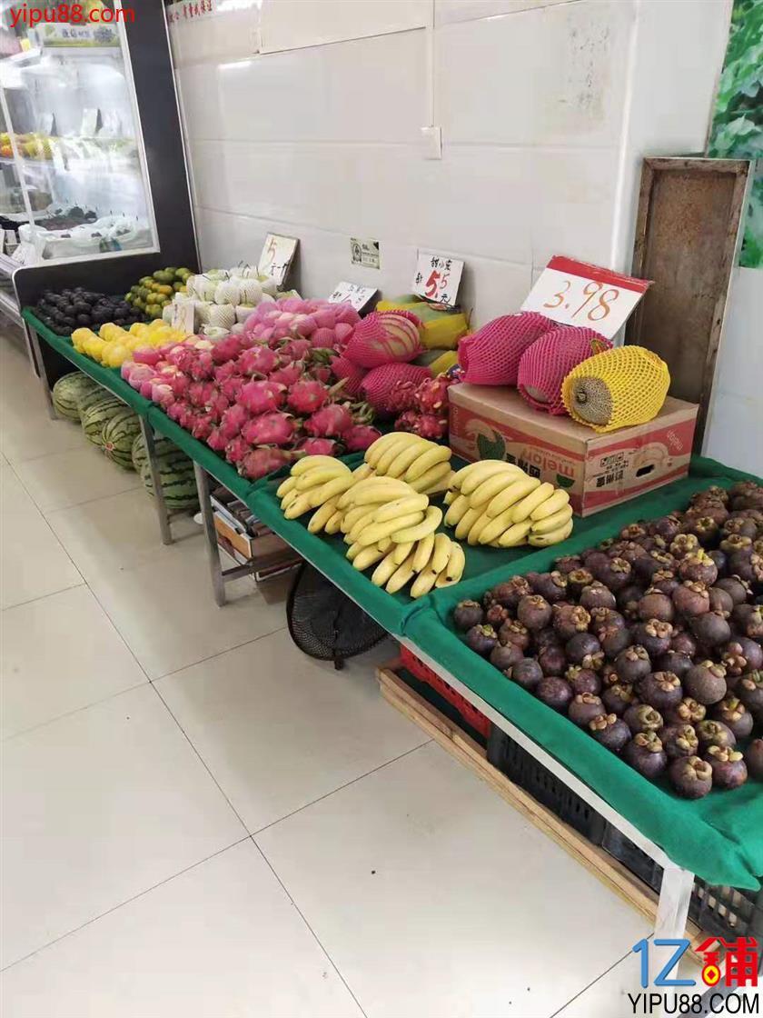2.68万空转农贸市场对面32㎡水果店低价转让