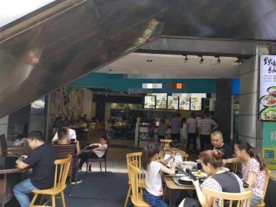 餐饮一条街三通170平米餐饮店转让(可外摆)
