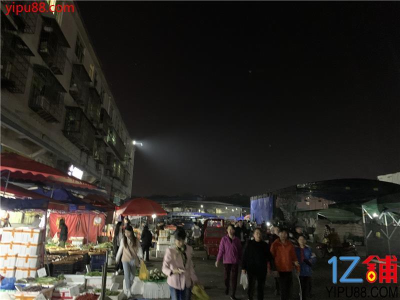 红星农贸市场临街30㎡双门头门面转让(可单独转)