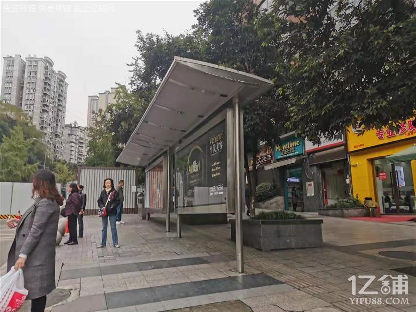 小区+公交站餐馆空转 年前接手无转让费