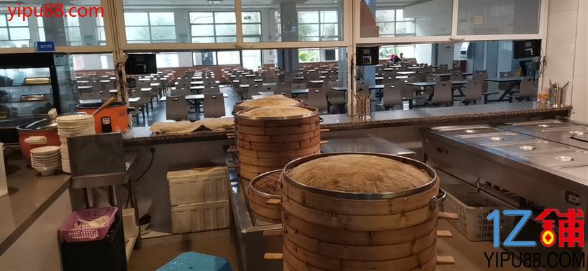 工程学院内食堂50平米盈利档口低价转让