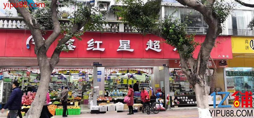 超市门口摊位出租人流自然不用说