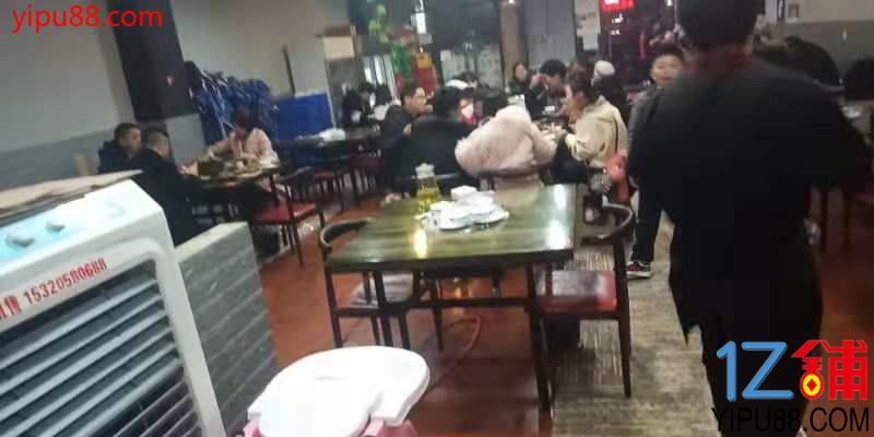 轻轨站旁临街+外摆餐饮旺铺转让