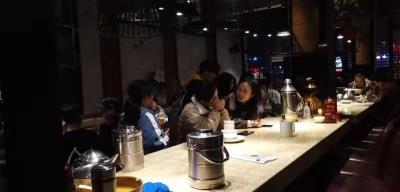 月营50万+盈利中湘菜特色餐厅转让或出租(二楼出租适合做茶楼和培训机构)