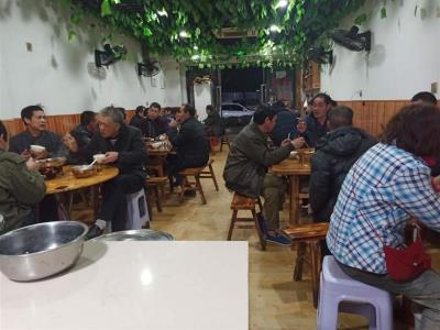 渝北高档小区74平米餐馆转让