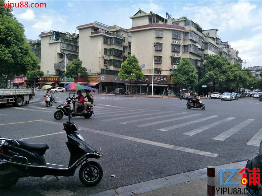 十字路口+成熟小区临街35㎡超市转让!(可空转)