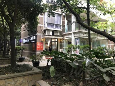 成熟社区一楼理发店2.5万急转(可空转)