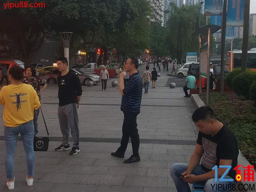 黄溪口广场220㎡火锅店急转