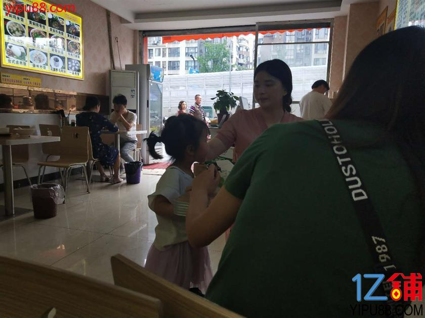 武侯 双楠 超市门口第一家快餐面馆小吃店转让!(独一家经营)