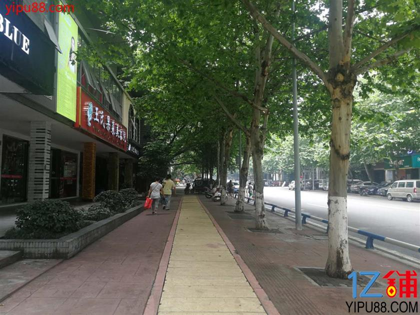 渝北水晶郦城小区旁58平米门面转让