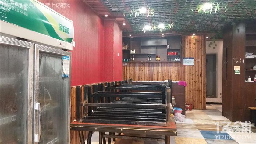 大型广场100平餐饮店急转(先到先得,马上出手)