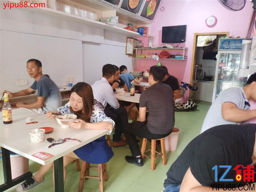 写字楼小区临街80㎡餐饮店转让或转租(可空转)