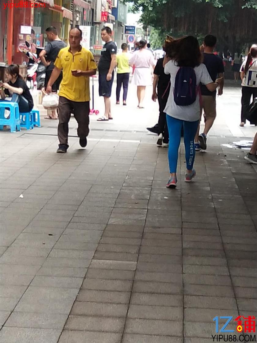 大渡口步行街50㎡餐饮店低价转让!