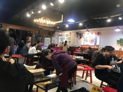 餐饮街185㎡三通火锅店8.5万转让!!!