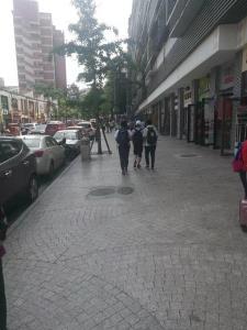 黄桷坪涂鸦一条街盈利小吃店急转