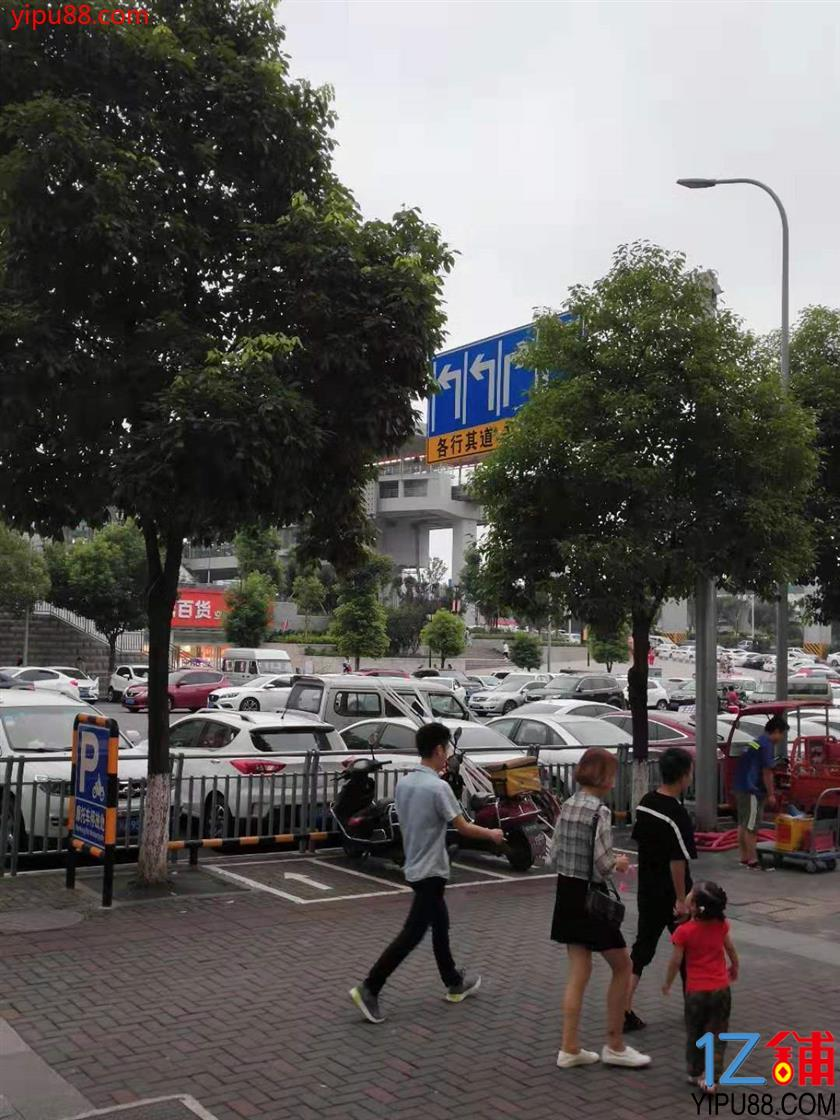 公租房公交车站临街门面转让(除餐饮外,行业不限)