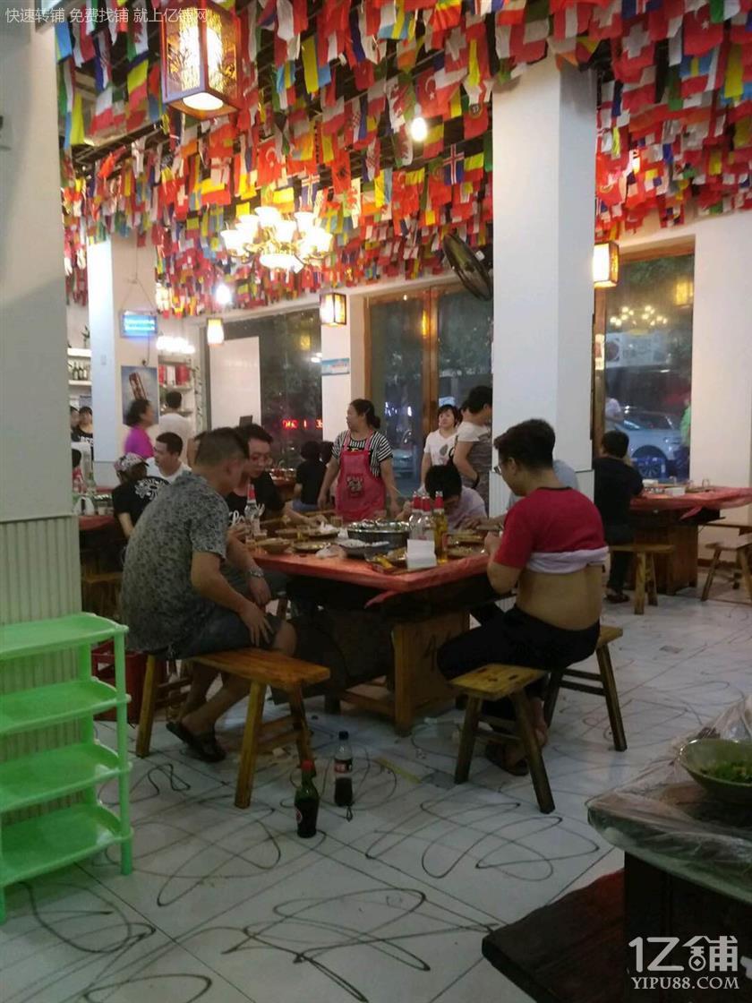 大型社区280㎡餐饮店转让