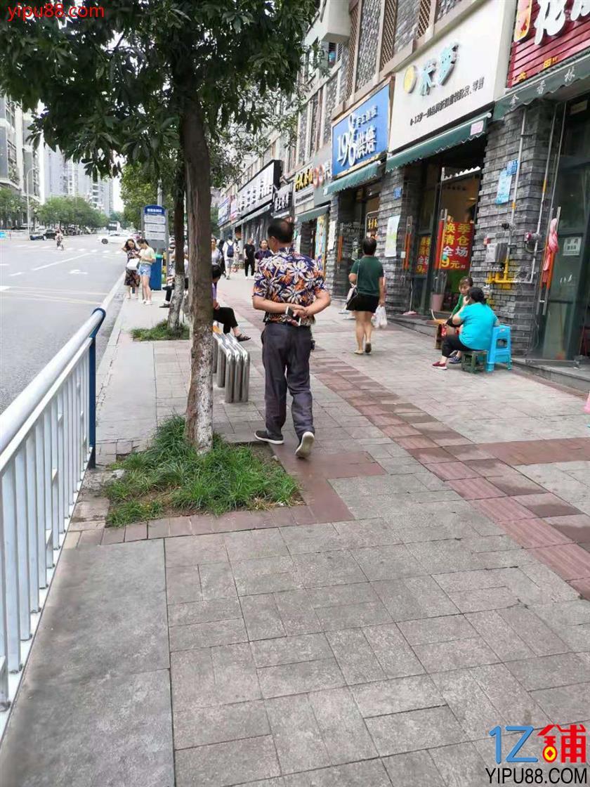 渝北西区服装店转让(行业不限)