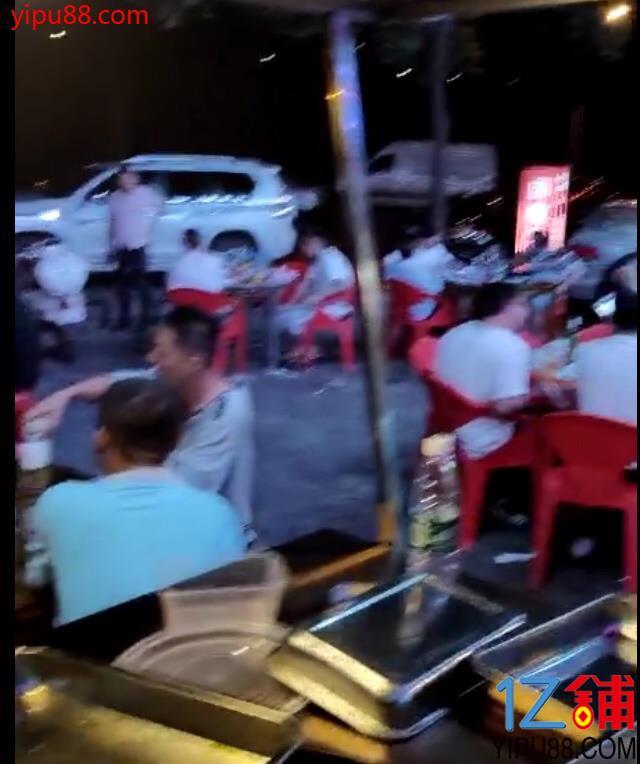 成熟中高档小区临街180㎡餐饮店转让!