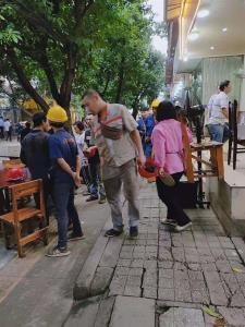 社区聚集 主干道 餐饮商铺转让!!(带天然气)
