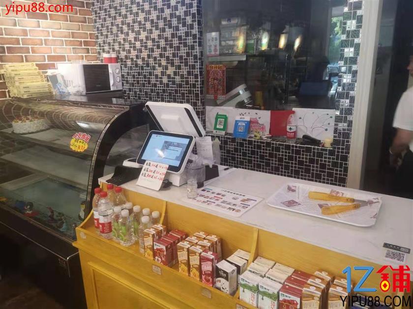 地铁口成熟小区出入口50㎡烘焙店转让(可空转)
