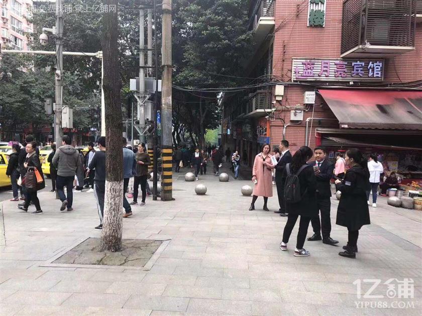 中学+大型社区54㎡餐饮店转让