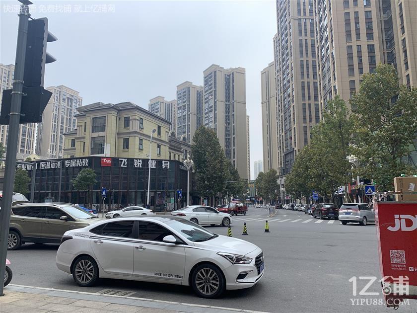 太慈桥保利凤凰湾临街门面房东直租