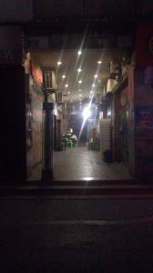 南坪商业街25平烧烤店低价转让