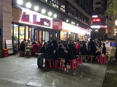 小区主商业街9米门头旺铺转让(行业不限)