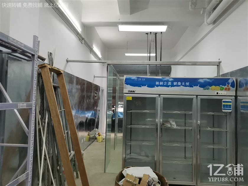 【急转➕低价1.5万】高新区 华府大道 小型厨房加工间+全套设备 转让