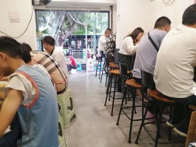 江北公交车站旁餐饮2万急转