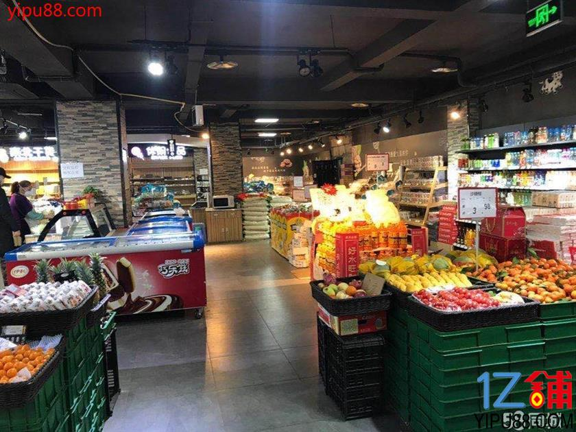 日营业额1万5左右,盈利超市800平米。