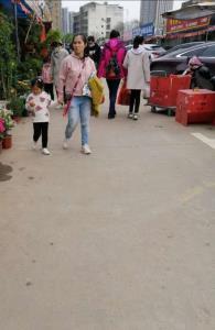 青山镇花卉市场80平旺铺转让