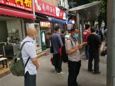公交车站+学校旁精装小吃店出租(行业不限,没有转让费)
