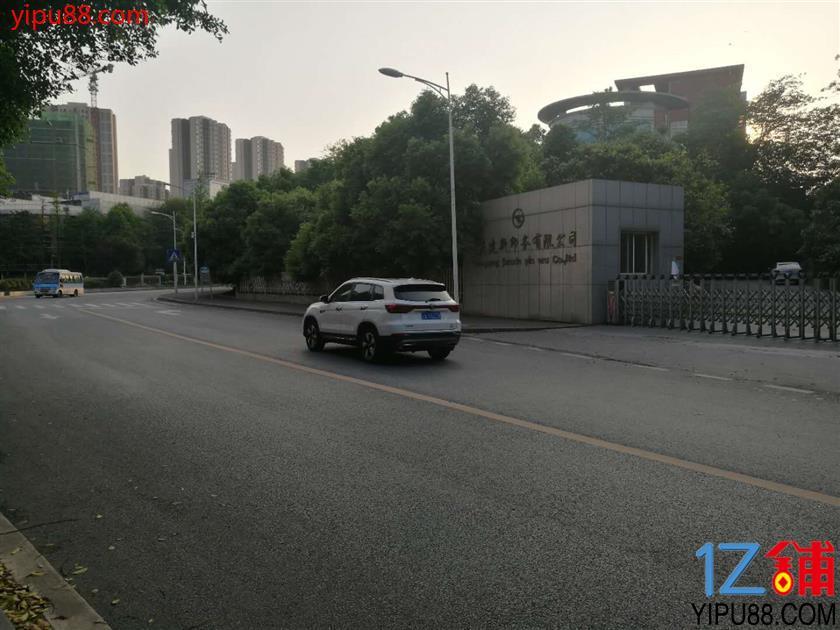 两江新区核心位置港城管委会旁库房出租