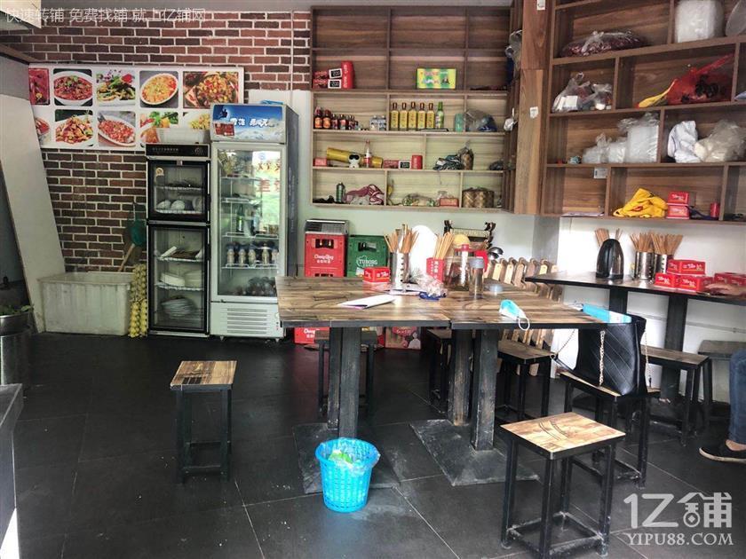 社区路口+写字楼餐饮旺铺转让(可外摆)