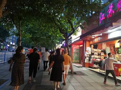 永辉超市旁、餐饮旺铺转让(行业不限)