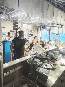 公交车站80平旺铺转让(带天然气,无行业限制)