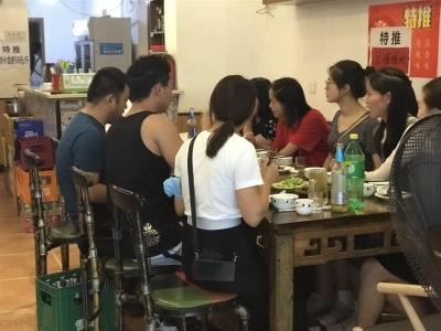 玉林 年轻人成熟商圈 营业餐饮门市 价格美丽!